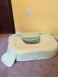 White and green pet bed Vienna, 22181