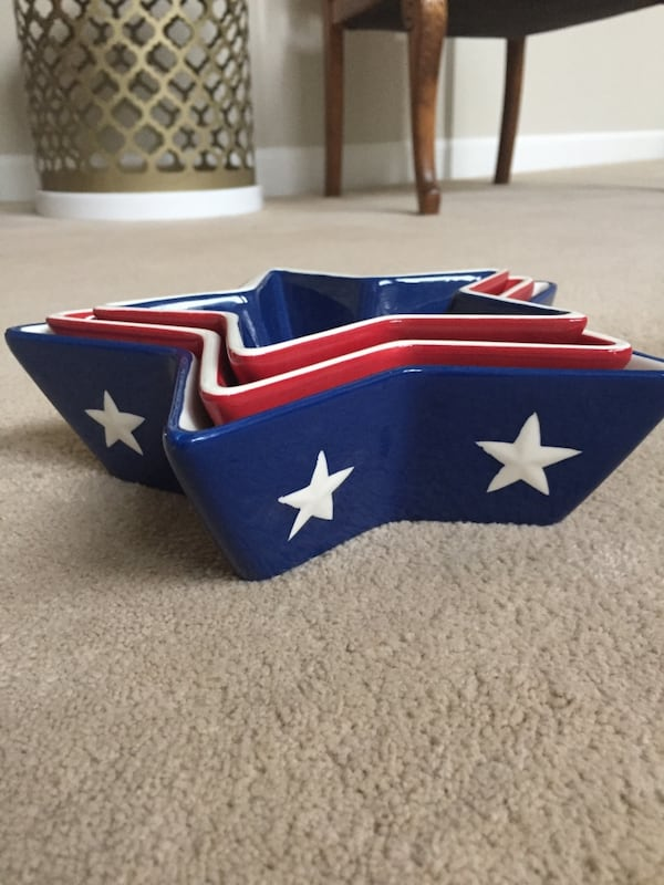 Set of 3 patriotic star bowls. Perfect for the 4th of July 80ad2522-afb8-483d-bdf0-732a300804be