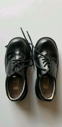 BOYS pair of black leather dress shoes