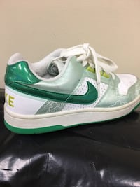White-and-green Nike Delta force size 5Y