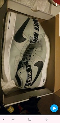 Air force 1s worn 1 time still in box Lakeshore, N0R 1A0