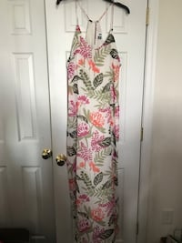 women's white and pink floral print spaghetti strap maxi dress East Manchester, 17345