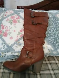 unpaired women's brown leather round-toe chunky-heeled wide-calf biker boot Summerville, 30747