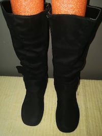 brand new ladies boots, size 8, black in color TORONTO