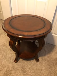 Gorgeous Inlayed Mahogany Side/End Table!
