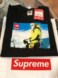 Brand new Supreme Northface photo T-shirt size medium