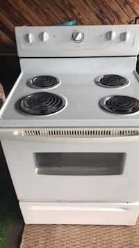 White and black electric coil range oven Augusta, 30815
