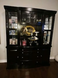 Hutch and cabinet display case buffet $200 obo Vaughan, L4H 0V7