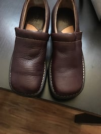 pair of brown leather slip-on shoes Stockton, 95206