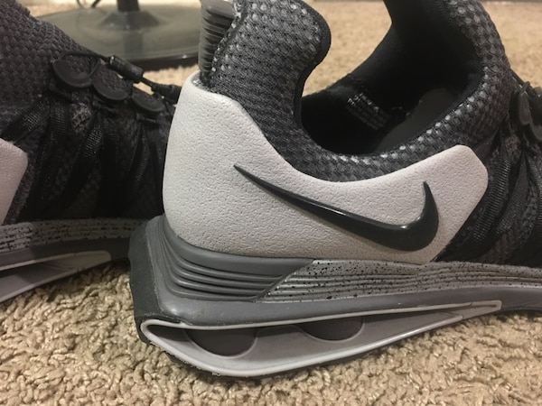 45576b39d Used Nike shoes looks new!!!! 10.5 size for sale in Denton - letgo