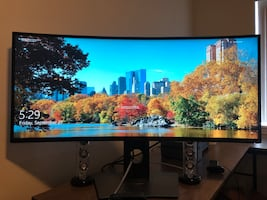 """Lowered price! 34"""" Dell 3419W curved monitor"""