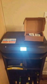 HP printer with 2 extra ink cartridges Bossier City, 71111