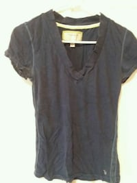 black v-neck shirt Martinsburg