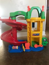 Fisher price little people car ramp Pickering, L1V 5A8
