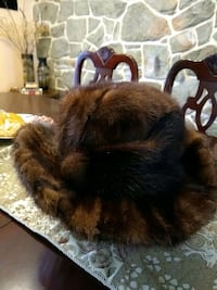 Women's natural (mink)fur hat like new Germantown, 20874