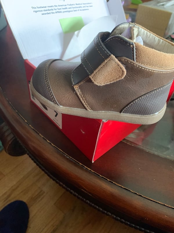Baby and toddler shoes bf024869-7b8b-496e-be2c-dcffde4e61df
