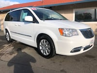 Chrysler-Town and Country-2014 Martinez