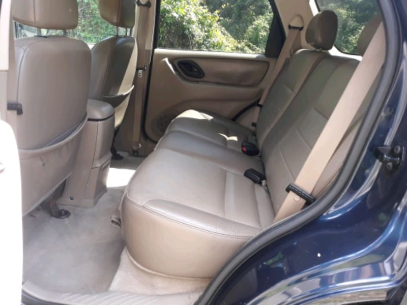 2004 Ford Escape Limited 4x4 61f39ded-4321-40ba-8d47-dc84ede4b0c6