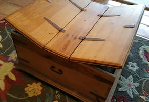 Hinged Double-Lidded Square Rustic Pine Wood Trunk/Coffee Table