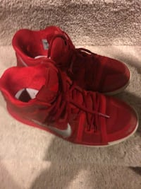 pair of red-and-white Nike basketball shoes Ashburn, 20148