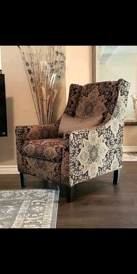 Beautiful Accent Chair Toronto, M6K 1M3