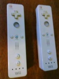2 Wii remotes Washington