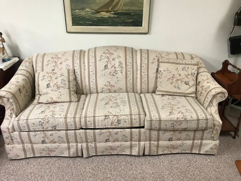 Sold Queen Size Hide A Bed Sofa Good