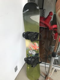 black and yellow snowboard with bindings Los Angeles, 90068