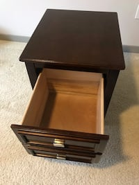Brown wooden 1-drawer nightstand or End Table  Houston, 77056