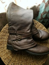 pair of black leather boots Ladson, 29456