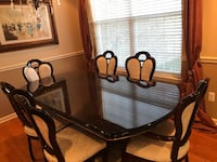 Mahogany Dining Table Rochester Hills, 48307