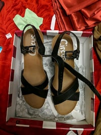 pair of brown leather flats with box Toronto, M6M 5L2