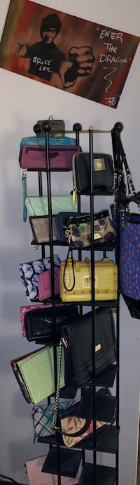 Wallets , wristlets , and clutches  Vallejo, 94591