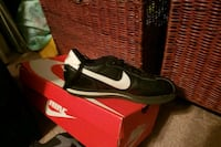 Gangster nikes boys size 6 Temple