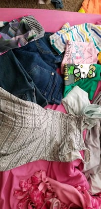 Girl clothes xs to sm University Place, 98467