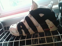 Uptempos with supreme laces size 11 comes with box Welland, L3B 4K8