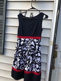 black and yellow floral spaghetti strap dress Manassas Park, 20111