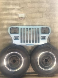 YJ.   Grill.    Perfect shape.    No dents or rust.   Abbotsford, V2S 2W7