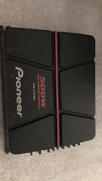black and red Pioneer car amplifier 547 km