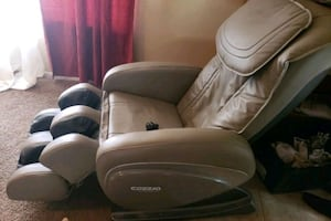 Cozzia High Tech Massage Chair