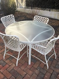 white metal patio table and chairs Ellicott City, 21043