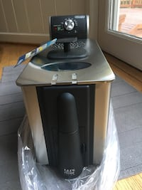 Delonghi fryer - used only once.  Brand new condition! Glen Mills, 19342