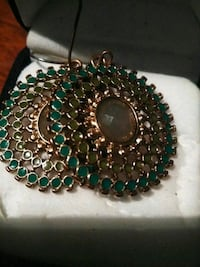 green and silver beaded necklace St. Louis, 63111
