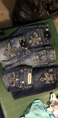 four blue and gray denim jeans Conway, 29527