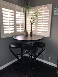 Round high top table with matching barstools San Diego, 92109