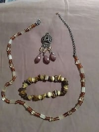 brown and white beaded necklace Tyro, 27295
