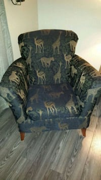 2 safari chairs Brantford, N3T