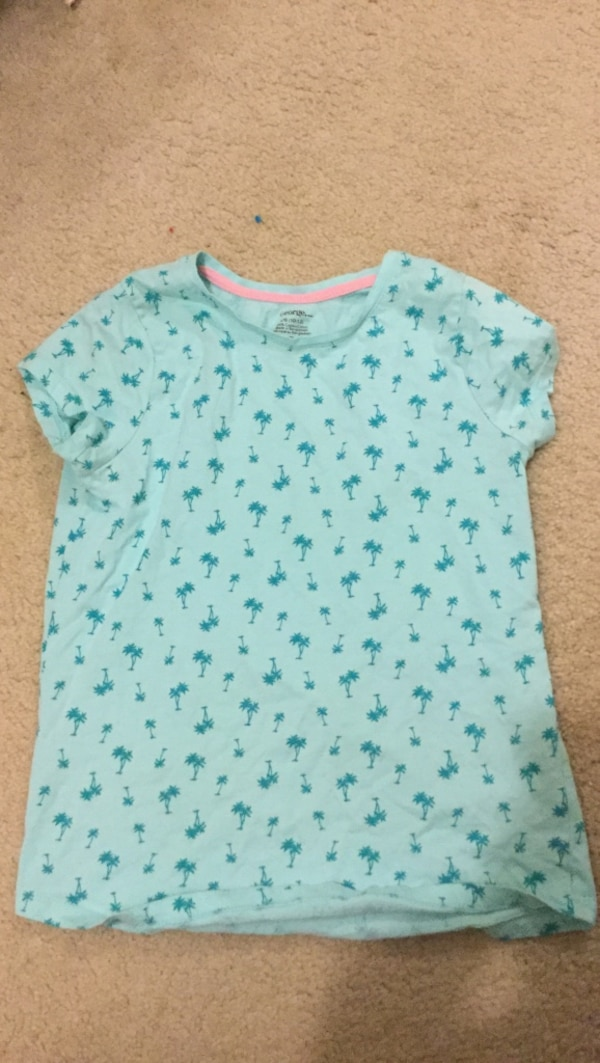 Size 10-12 children's short sleeve shirt