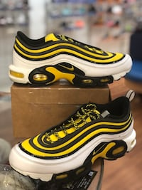 Frequency pack air max plus 97s size 9.5 Silver Spring, 20902