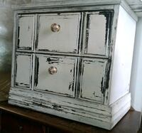 2 distressed night stands Eugene, 97404